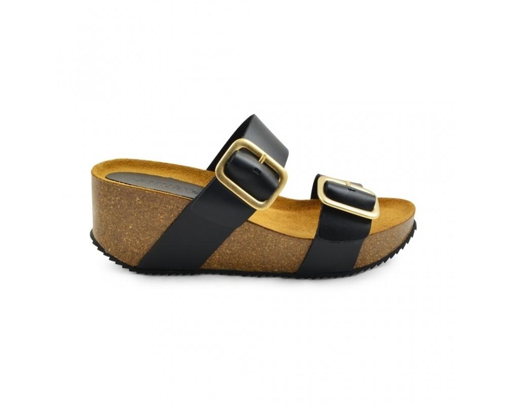 wedge sandal sort amust