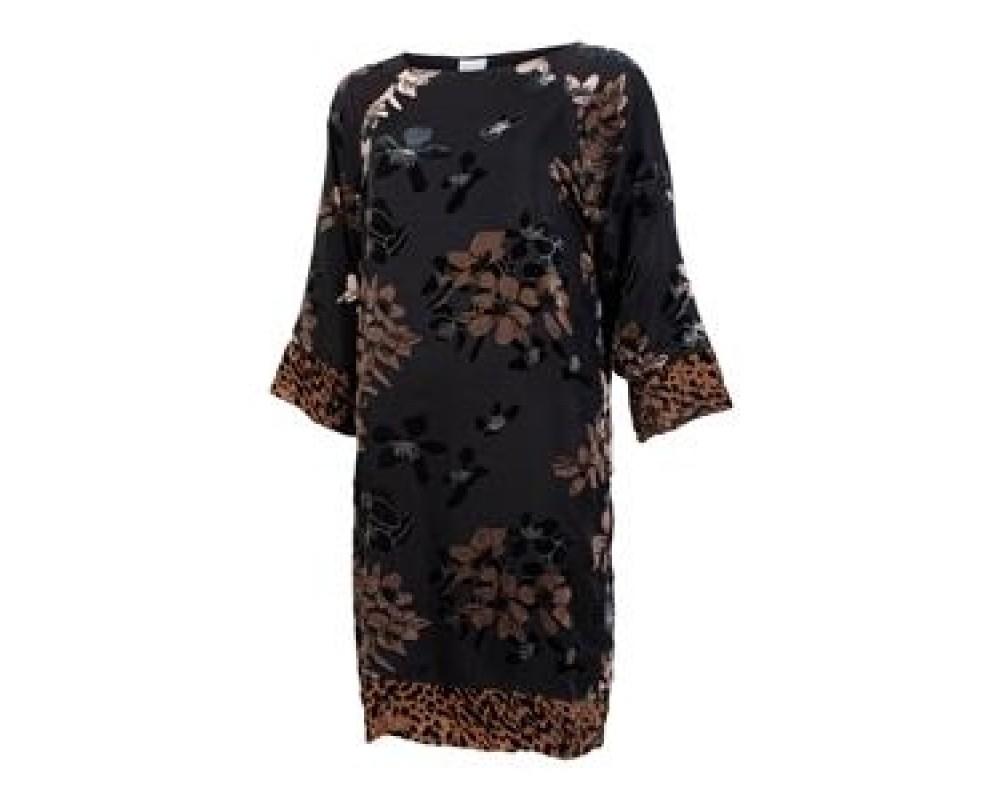 IN FRONT Rubina kjole sort