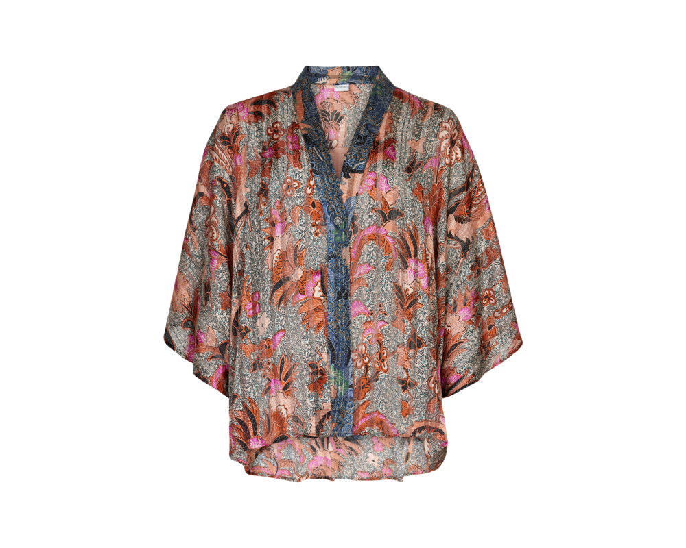 lilly kimono in front