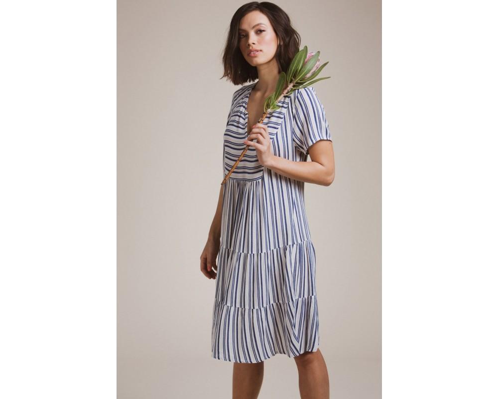 in front stribet kjole