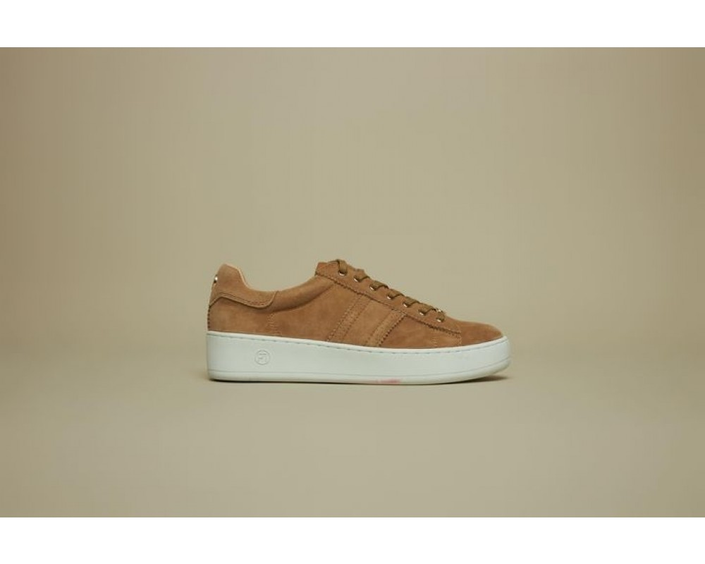 philip hog emma ruskinds sneakers camel