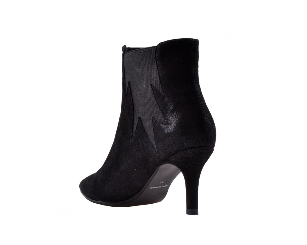 sort støvlet Sofie Schnoor