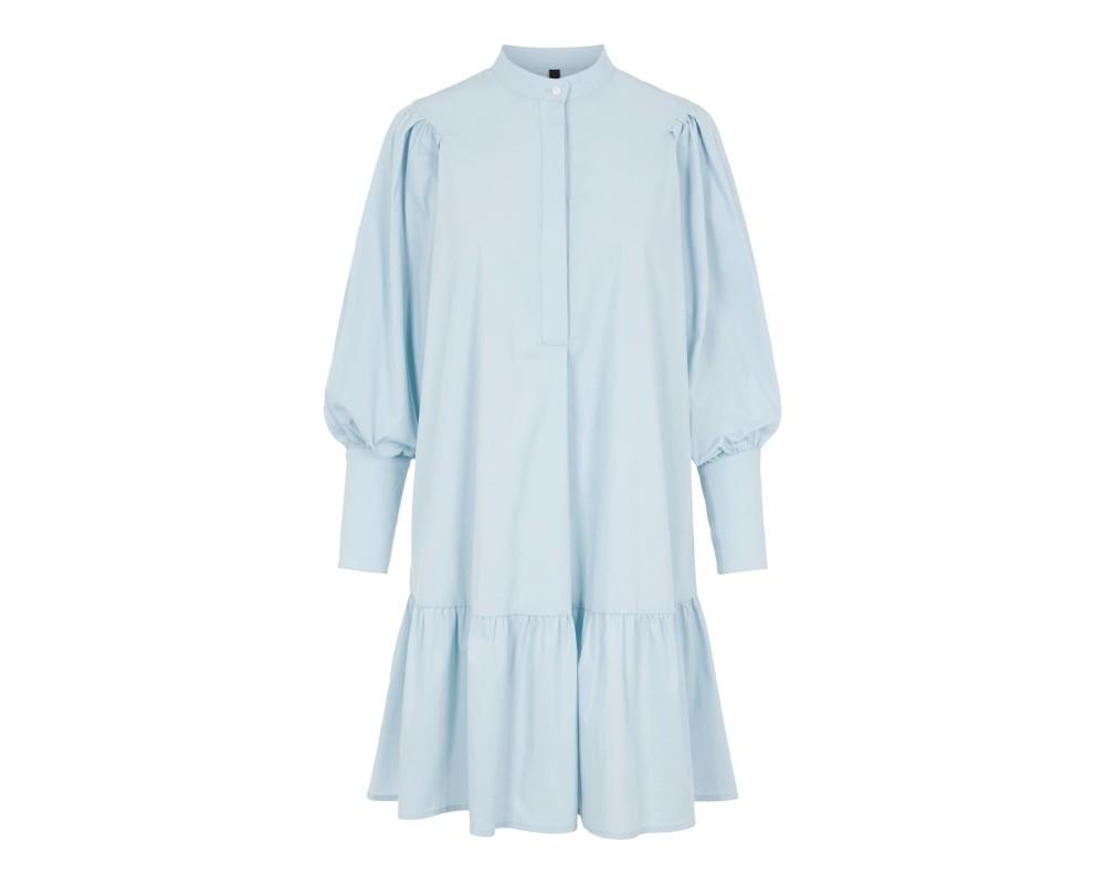 lyseblå kort kjole yas