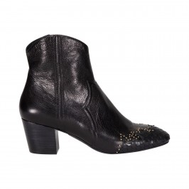 støvle med kroko og nitter sofie schnoor