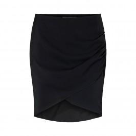 kort sort nederdel sofie schnoor